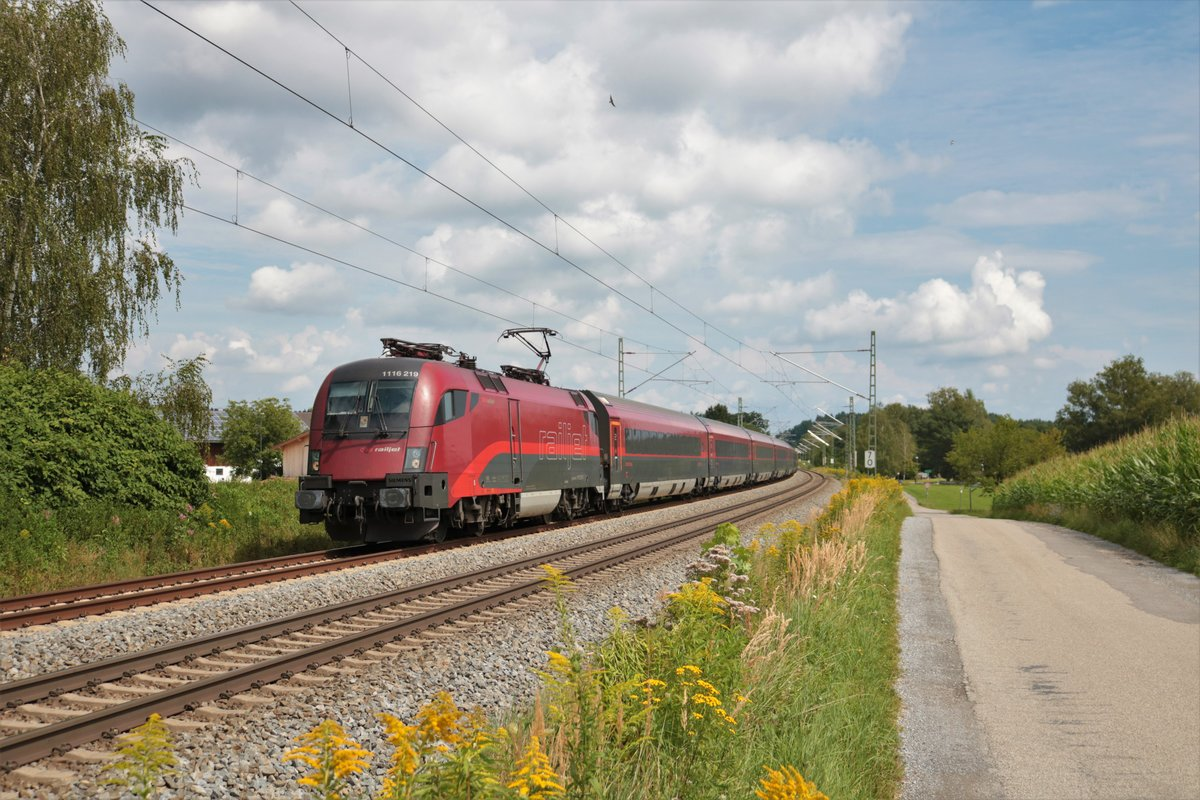 ÖBB Railjet Siemens Taurus 1116 219-7 am 15.08.20 in Baierbach