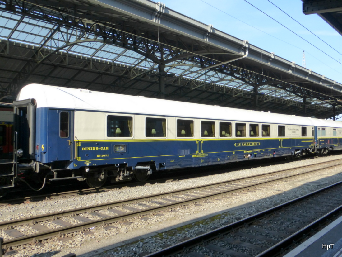 Prestige Continental Express - Personenwagen Le Salon Bleu ARmz 61 ...