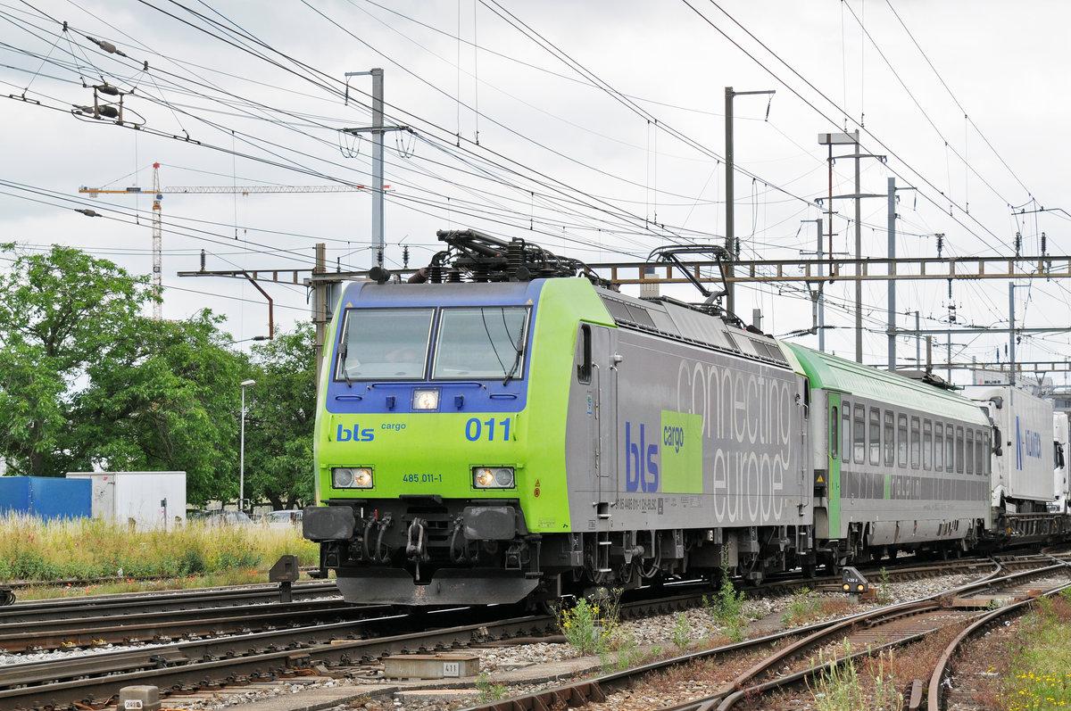 Re 485 011 1 Durchf Hrt Den Bahnhof Pratteln Das
