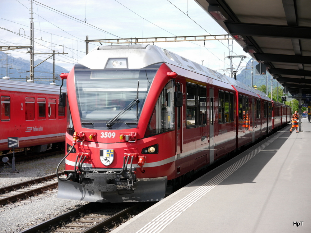 RhB - Triebzug ABe 8/12 3509 in Landquart am 10.05.2014