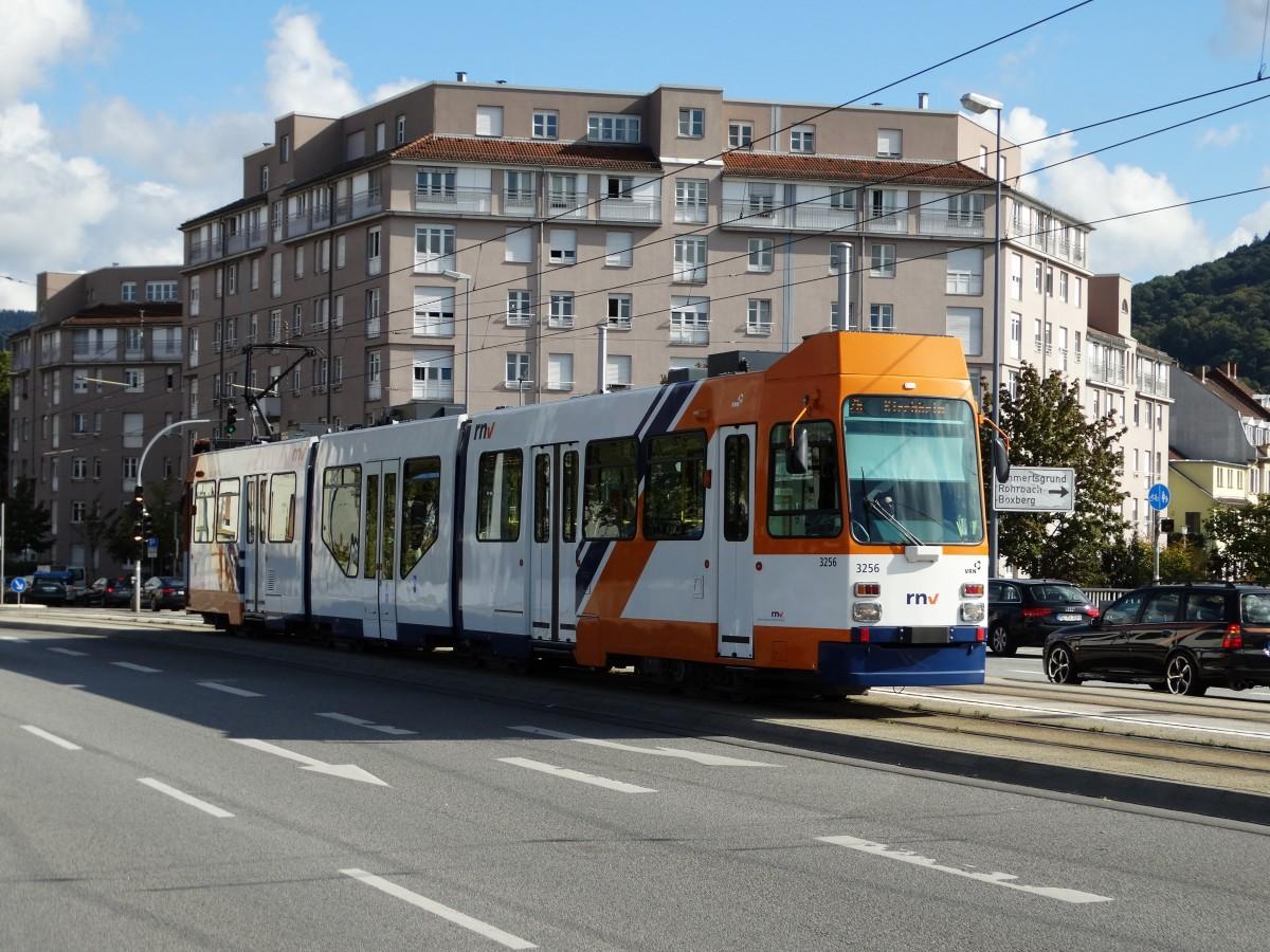 RNV M8C 3256 (modernisiert) auf der Linie 26 am 27.09.14 in Heidelberg ...