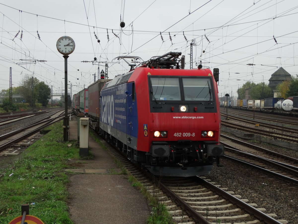 SBB Cargo 482 009-8 am 30.10.14 in Mainz Bischofsheim Rbf