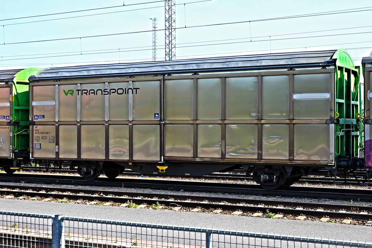 Schiebewandwagen der VR Transpoint,Typ Gbls am Bahnhof Kemi den 22.7.2014 - Bahnbilder.de