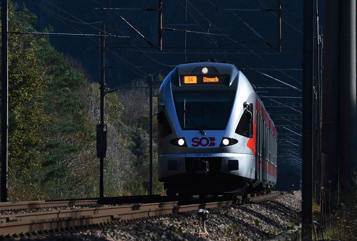 Die LTE 185 528 stand heute in Frastanz mit dem RTS-Schlackezug um 10 ...