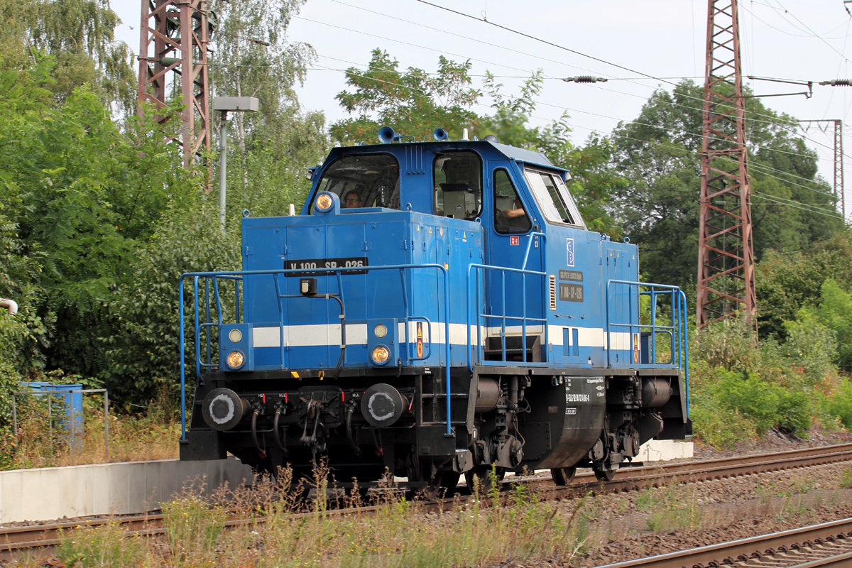 Spitzke V100-SP-026 (214 016-8) in Recklinghausen-Ost 9.8.2018