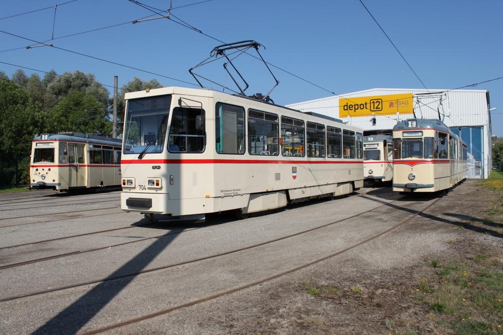 Tatra Stra Enbahn Vom Typ T6a2 704 Stand Am 2 Ffnungstag