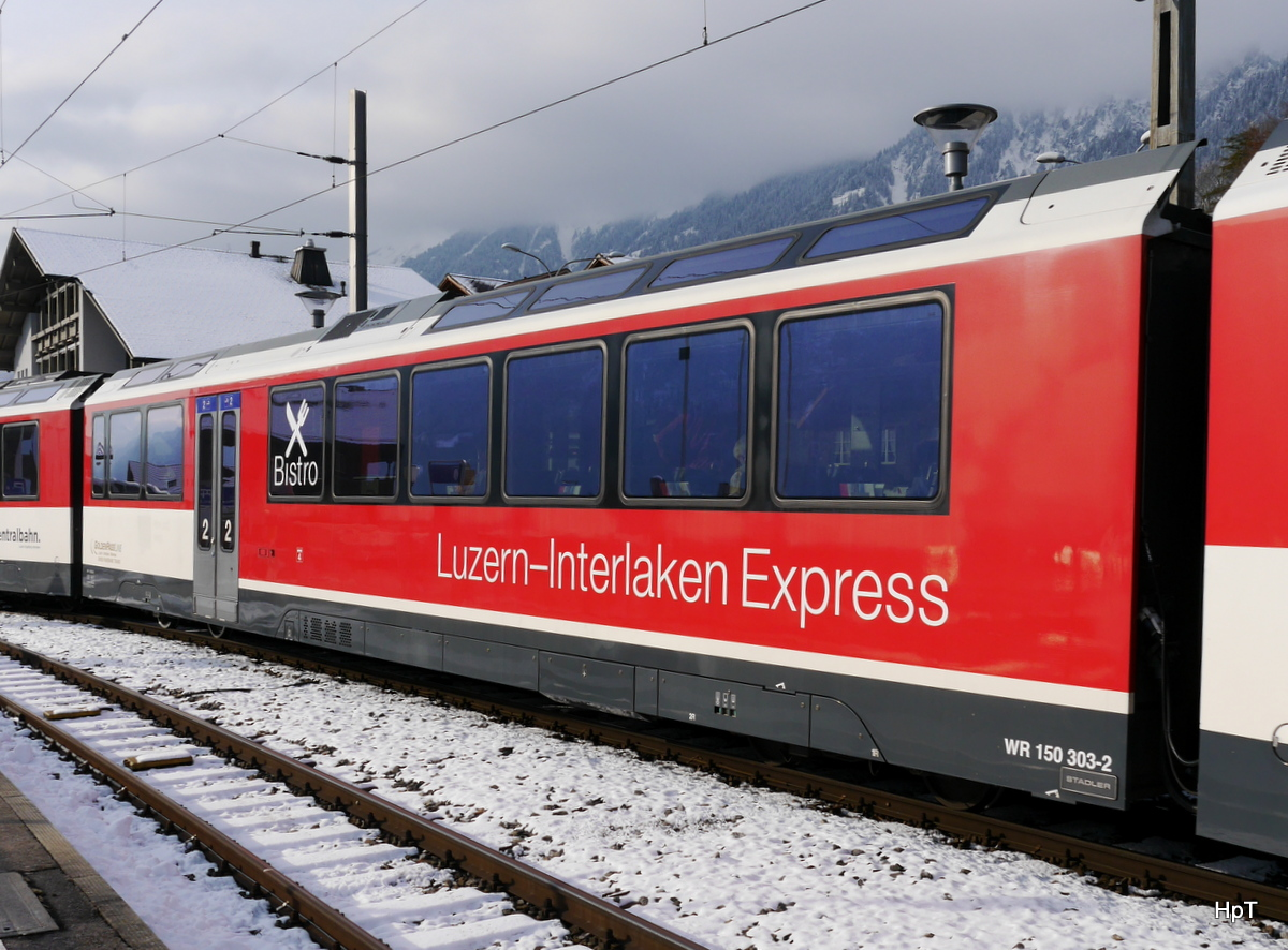 zb - Speisewagen WR 150 303-2 in Brienz am 02.12.2017