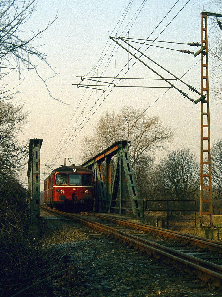 http://www.bahnbilder.de/bilder/1024/674771.jpg