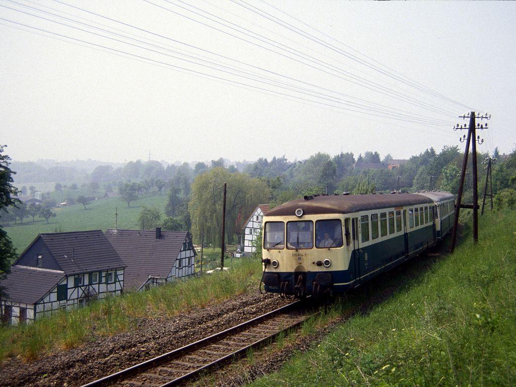 http://www.bahnbilder.de/bilder/1024/683969.jpg