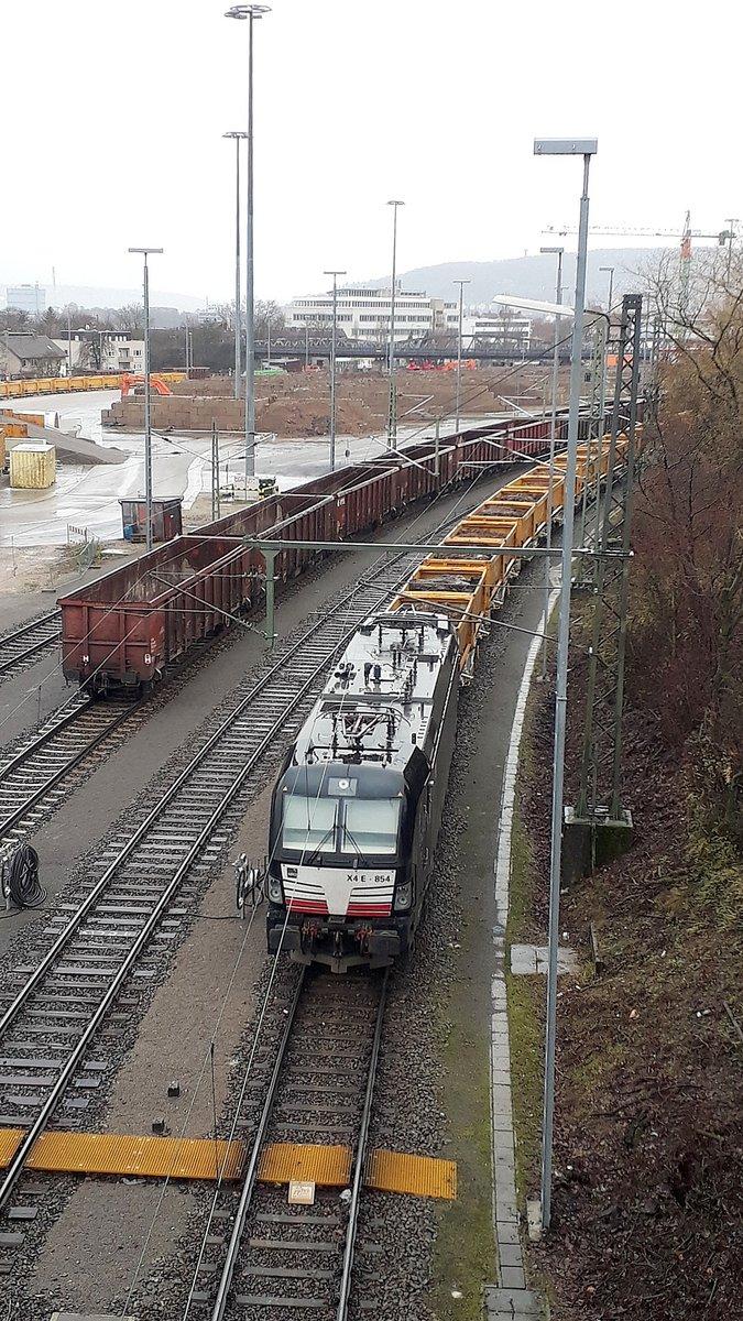 http://www.bahnbilder.de/bilder/1200/1128046.jpg