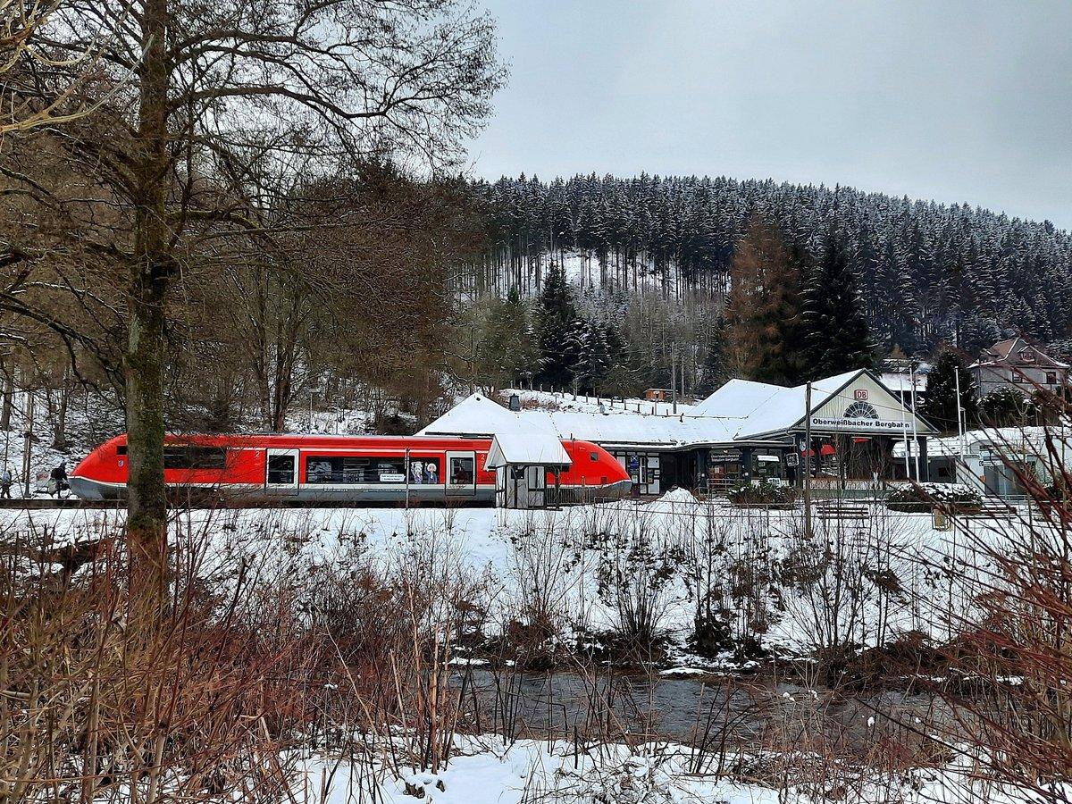 https://www.bahnbilder.de/bilder/1200/1243059.jpg