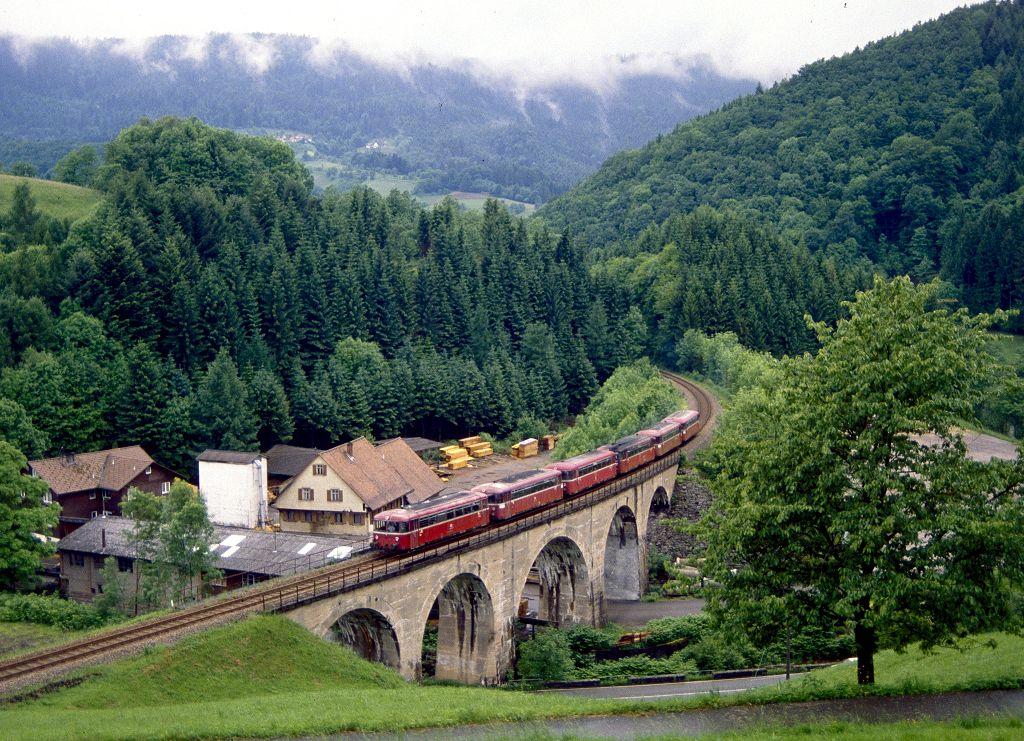 http://www.bahnbilder.de/bilder/1200/799590.jpg
