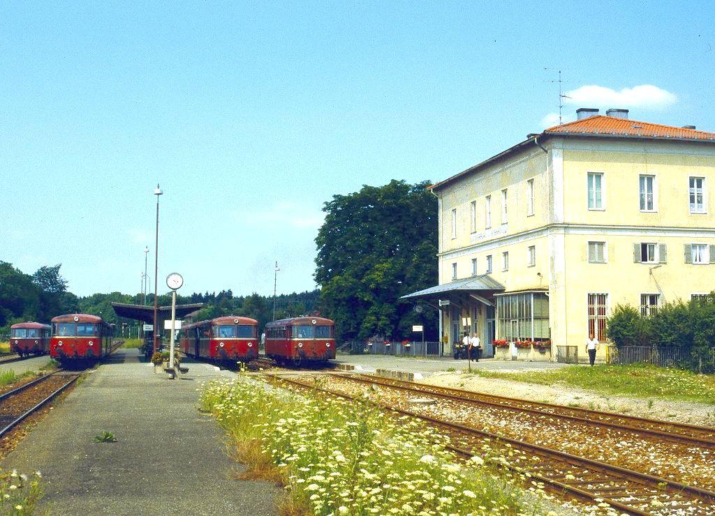 http://www.bahnbilder.de/bilder/1200/799757.jpg