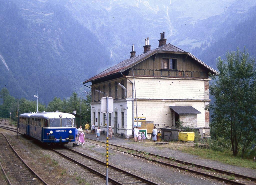 http://www.bahnbilder.de/bilder/1200/801021.jpg