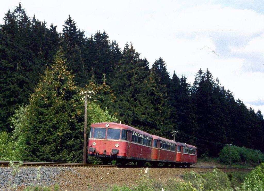 http://www.bahnbilder.de/bilder/1200/801312.jpg