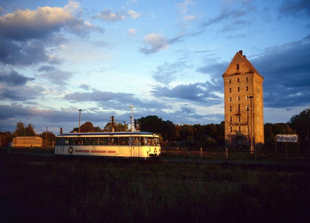 http://www.bahnbilder.de/bilder/1200/802103.jpg