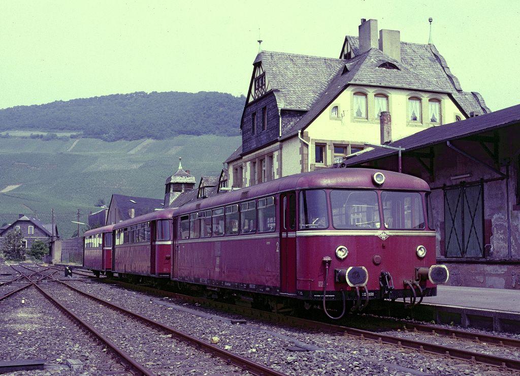 http://www.bahnbilder.de/bilder/1200/802333.jpg