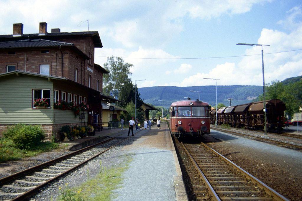 http://www.bahnbilder.de/bilder/1200/807098.jpg