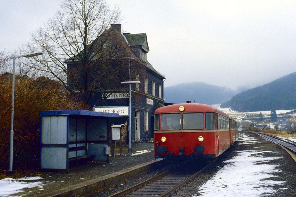 http://www.bahnbilder.de/bilder/1200/807292.jpg