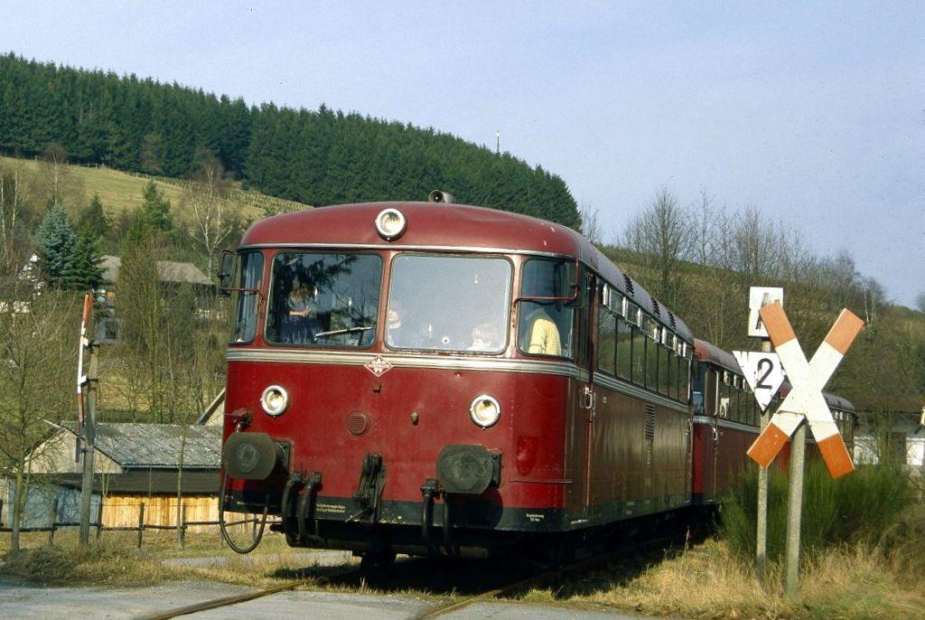 http://www.bahnbilder.de/bilder/1200/817074.jpg