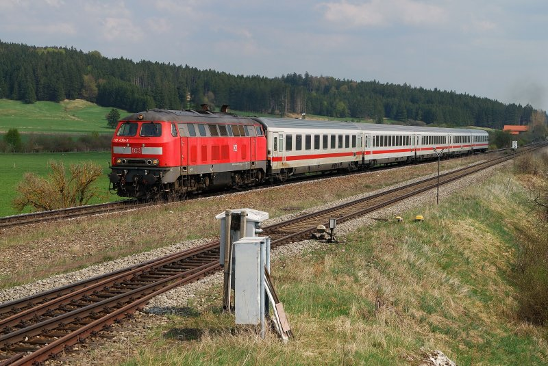 218 434 mit IC 2083 in Aitrang (22.04.2009)