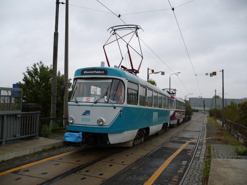 Arbeitstriebwagen T4D 5032(nicht modernisiert) auf der Teslastraße in ...