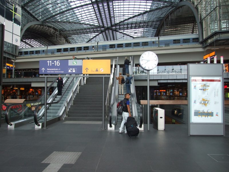 berlin-hauptbahnhof-lehrter-bahnhof-214854.jpg