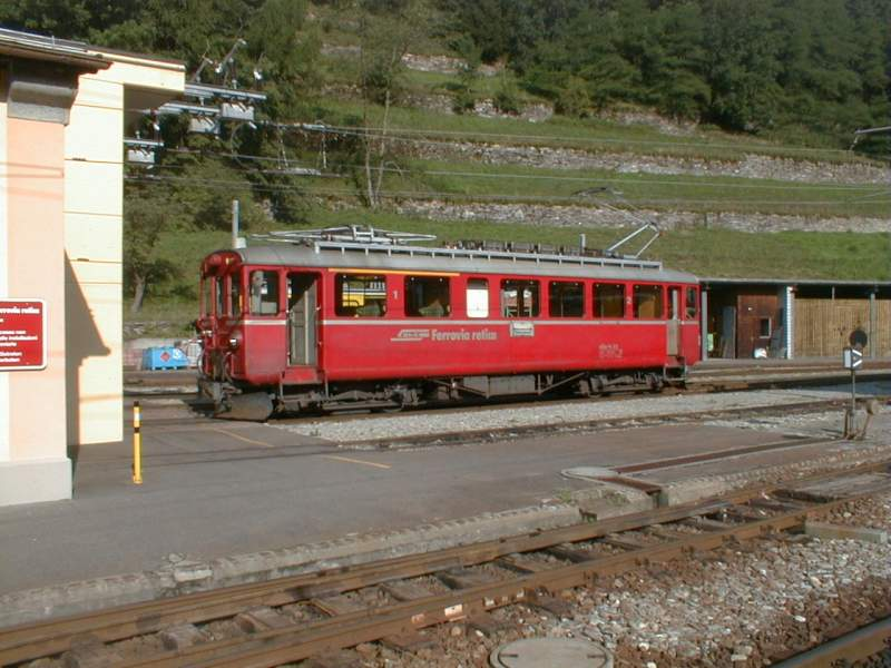 Berninabahn,Triebwagen ABe4/4 I No.35 in Poschiavo,23.07.01