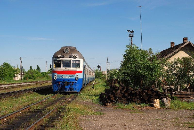 Beregovo Ukraine  city photos : D1 769 mit dem 6578 in Beregovo 07.05.2008 Bahnbilder.de