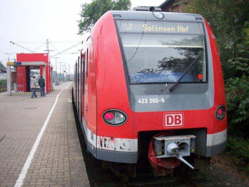 Ein Et 423 Als Linie S7 Der In Düsseldorf Eller Hält Bahnbilderde