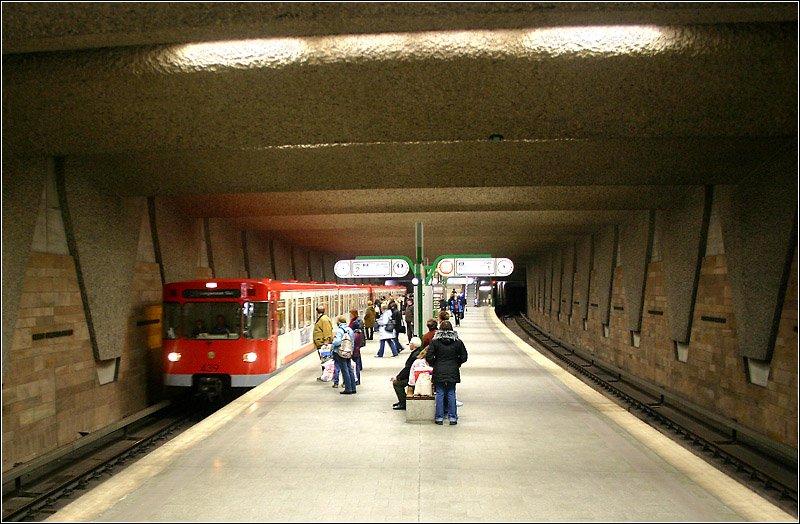 f rth hauptbahnhof linie u1 1985 150 jahre nach er ffnung der ersten eisenbahn in. Black Bedroom Furniture Sets. Home Design Ideas