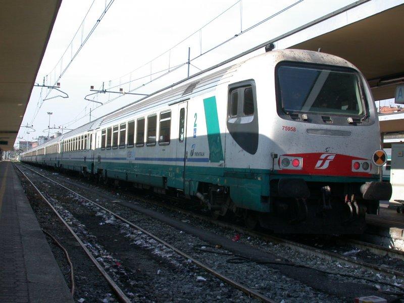 Ic steuerwagen 75958 von trenitalia in torino porta nuova - Orari treni milano torino porta nuova ...