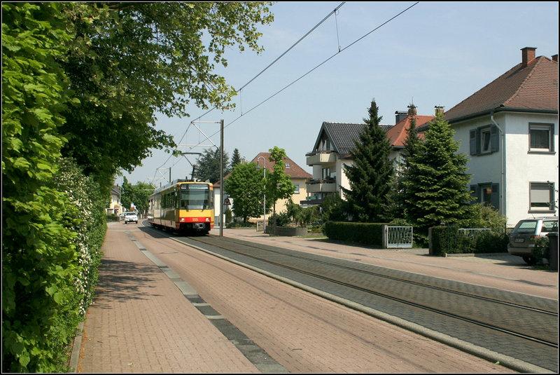eisenbahn gleise straßenmitte