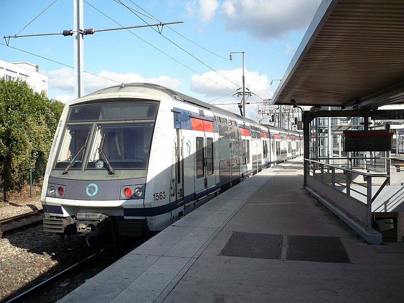 RER-Triebzug 1563 am 17.10.2008 in Paris. - Bahnbilder.de