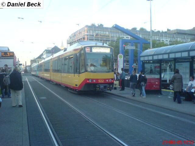 http://www.bahnbilder.de/bilder/s-bahn-karlsruhe-51238.jpg