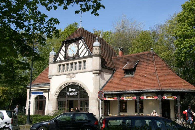 [Bild: s-bahnhof-grunewald-reizvolles-empfangsg...103202.jpg]