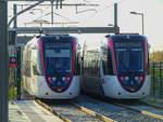 Zwei Straßenbahnen der Pariser Linie T11 abgestellt in Le Bourget, 15.10.2018.
