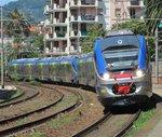 10.06.2016 12:09 Zwei ETR 425 Triebzüge anscheinend bei einer Testfahrt durch den Bahnhof Rapallo.