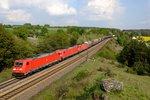 Nach dem Doppel kam ein Tripple - beteiligte Akteurinnen: 185 368, 224 und 355 - die beiden letzteren allerdings kalt geschleppt. Aufgenommen am 25. April 2014 bei Laaber vor einem gemischten Güterzug nach Nürnberg Rangierbahnhof.