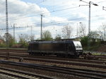 MRCE/Dispolok 185 565-9 steht am 08.04.16 in Hanau Hbf