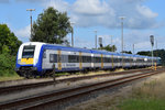 "245 215 schiebt am 30.08.2016 die ""Married-Pair-Wagen""-Garnitur NOB 81715 nach Hamburg-Altona in den Bahnhof Husum."