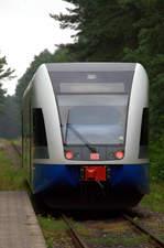 Ein TW der UBB bei der Abafahrt nach Peenemünde in Trassenmoor