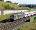 MRCE/Dispolok ES 64 U2-28 (182 528) am 18.08.16 mit IC nach Bebra in Neuhof (Kreis Fulda)
