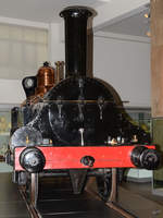 Die Dampflokomotive 2-2-2 1868  Columbine  der Grand Junction Railway im Science Museum London (September 2013)