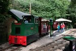 The Bredgar & Wormshill Light Railway  Nr.5  BREDGAR  (Baguley-Drewry, Fabr.-Nr. 3775) rangiert am 02.09.2015 im Bf Warren Wood