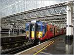 Der South West Trains Classs 455, hier der 455856 ist in London Waterloo eingetroffen.