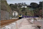 Der Great Western Railway HST 125 Class 43 Service 957 von London Paddington nach Plymouth hat den zwischen Dawlish und Teignmounth gelegenen 476m langen Parson's Tunnel verlassen und fährt nun