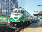 GO Transit Lakeshore West Line nach Hamilton in Burlington, 18.09.2019.