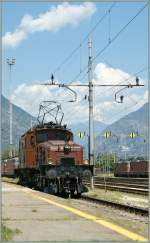 Die Ce 6/8 III 14253 (UIC 91 85 4601 SBB-Historic) in Domodossola.