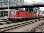 SBB - Re 6/6  620 053-9 mit Am 843 005 in Rotkreuz am 2020.07.17